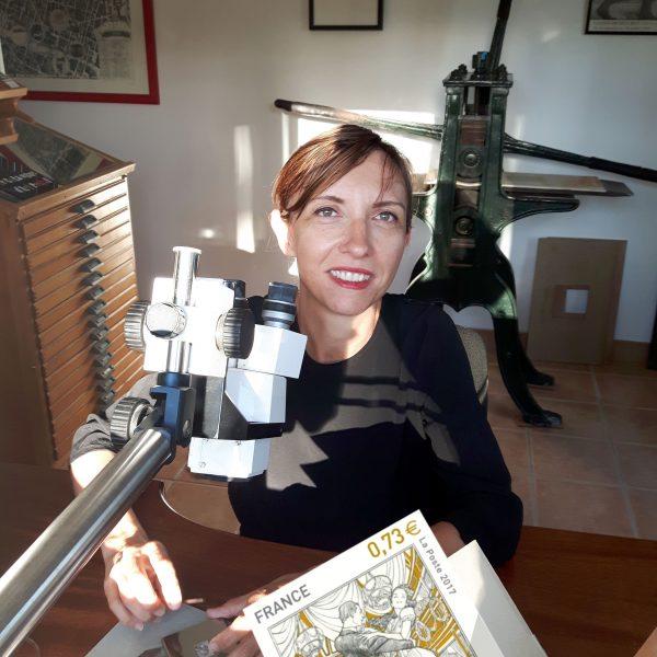 Elsa Catelin dans son atelier